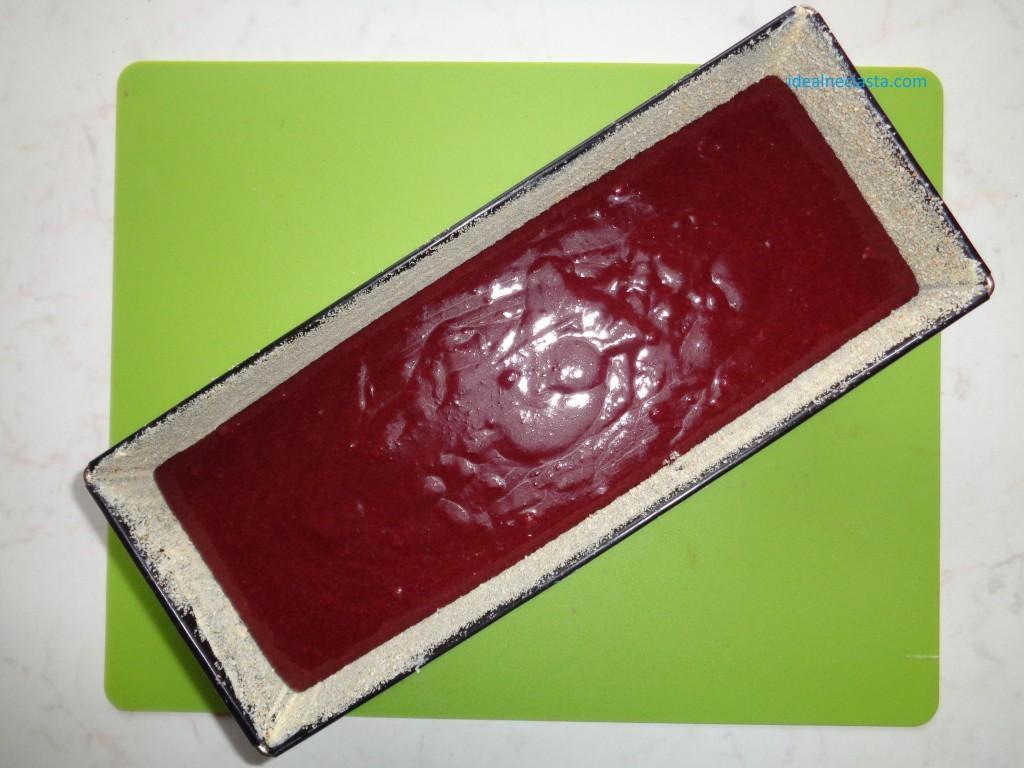 ciasto czekoladowe z burakami przed pieczeniem
