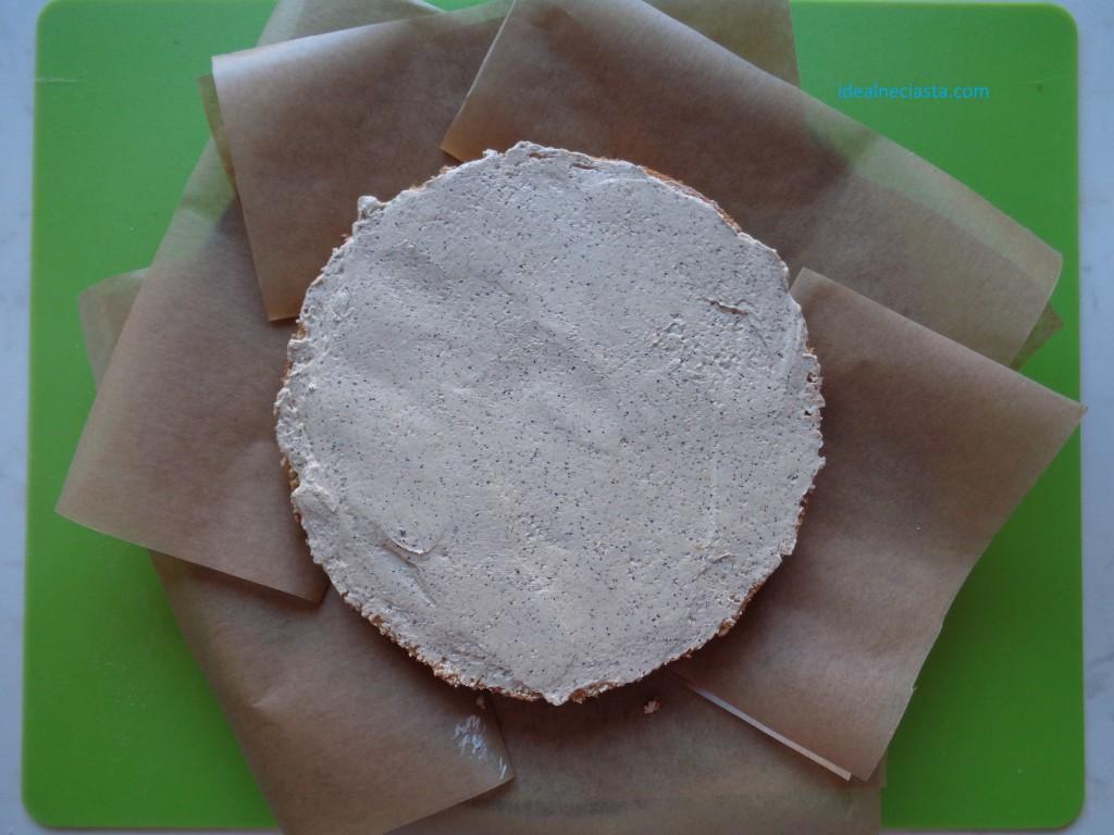 torcik kawowy biszkoptowy blat posmarowany masą