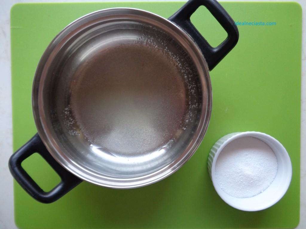 przygotowanie lukru plastycznego żelatyna przed dodaniem glukozy