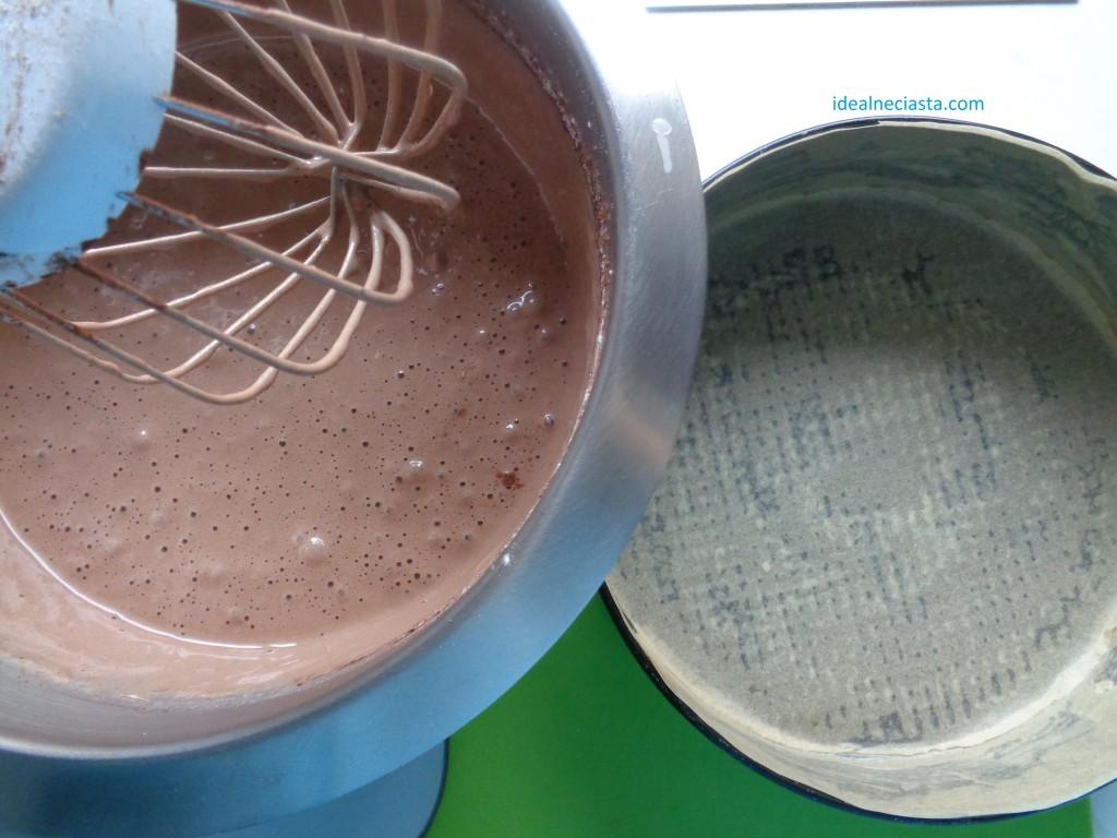 ciasto czekoladowe przed pieczeniem