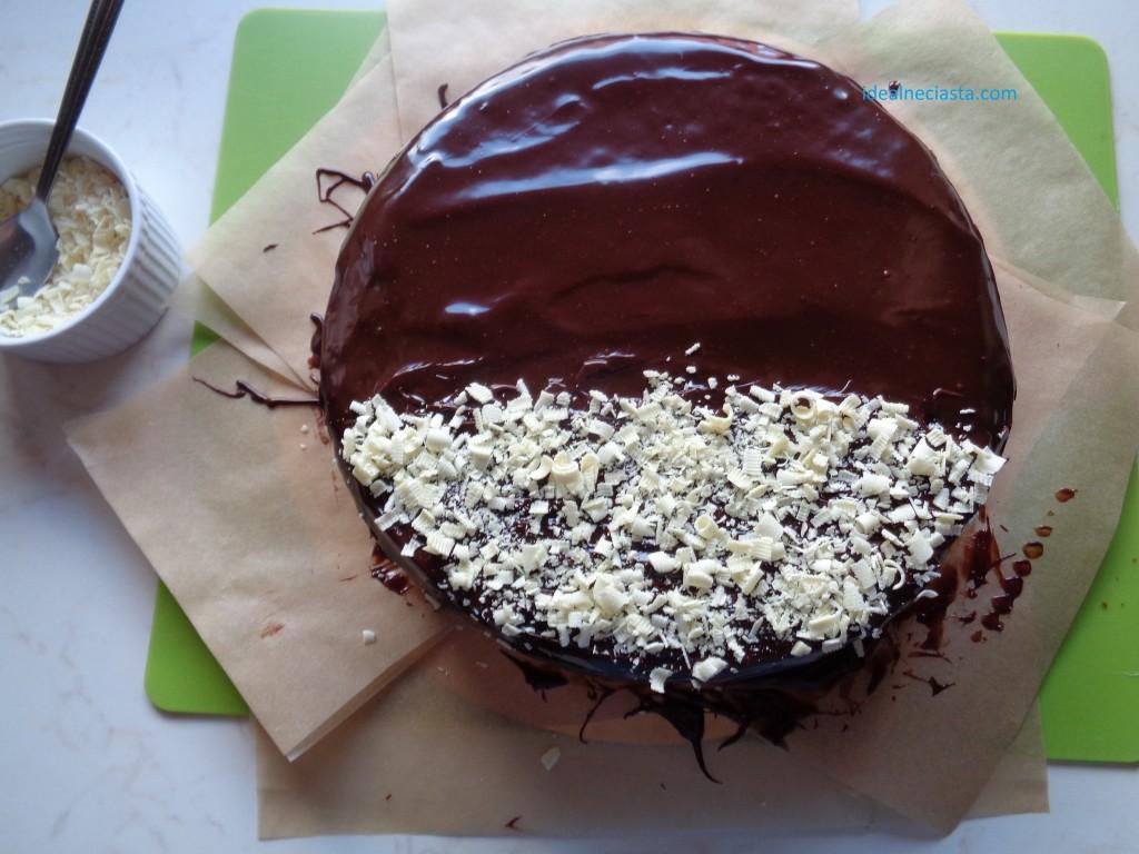 dekorowanie ciasta czekoladą