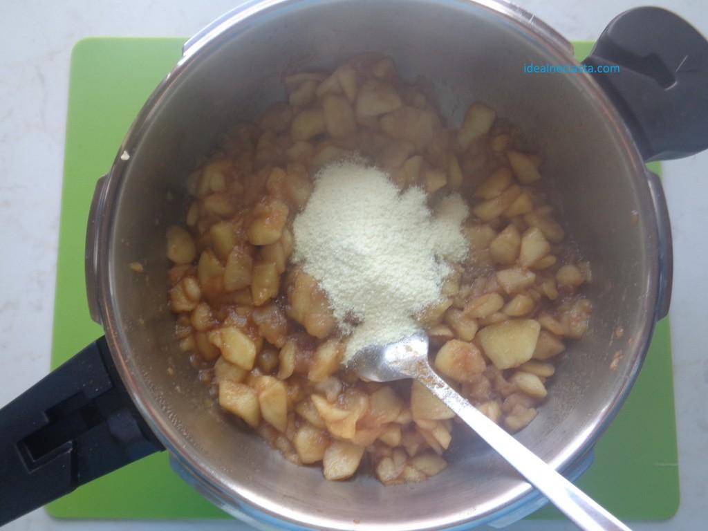 mieszanie jablek z galaretka
