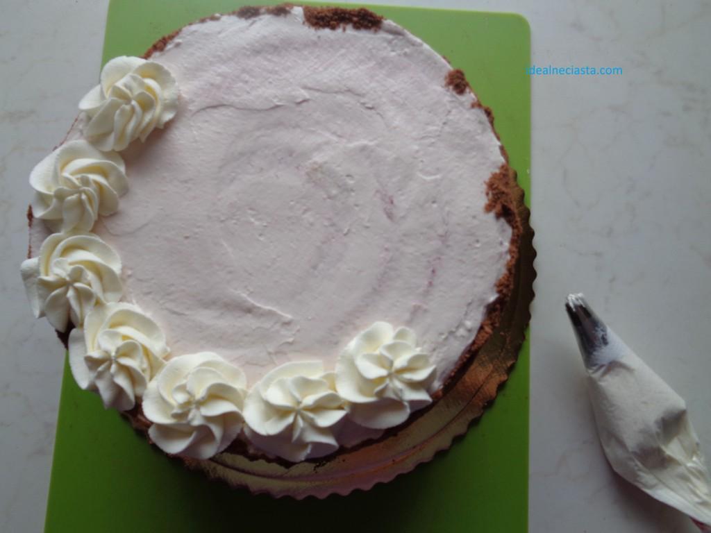 dekorowanie tortu kremem