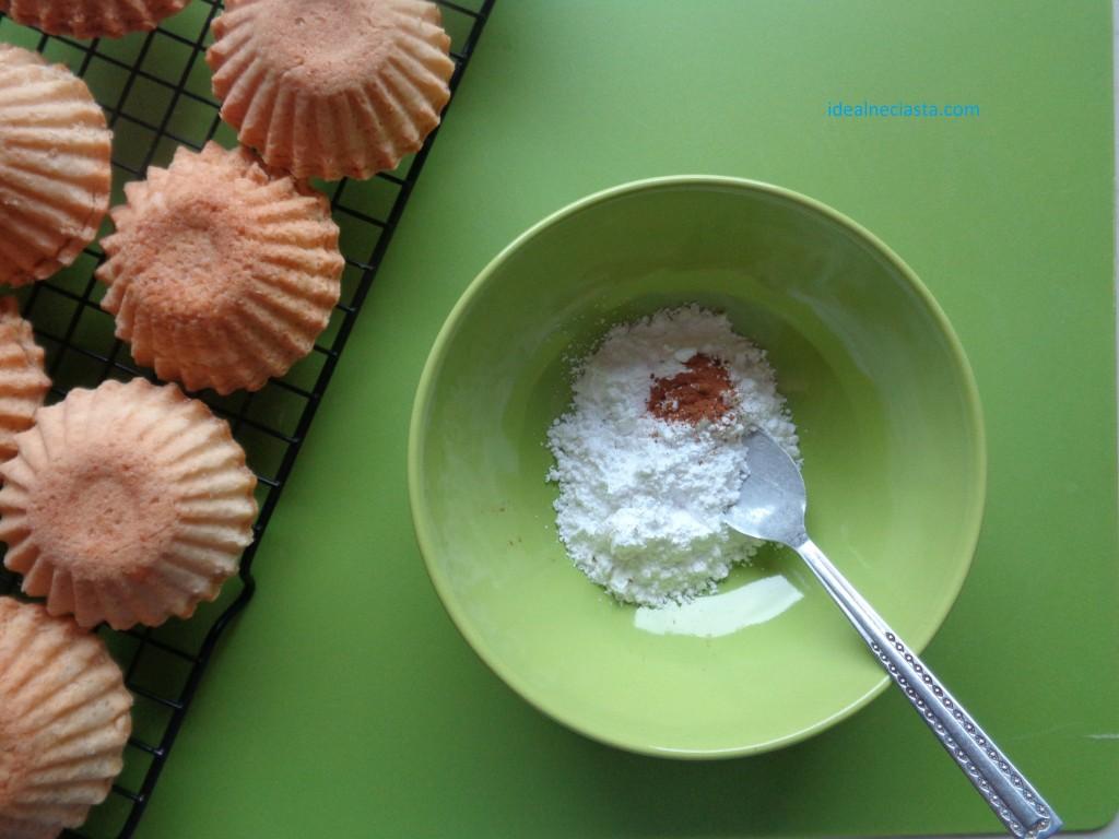 mieszanie cukru pudru z cynamonem