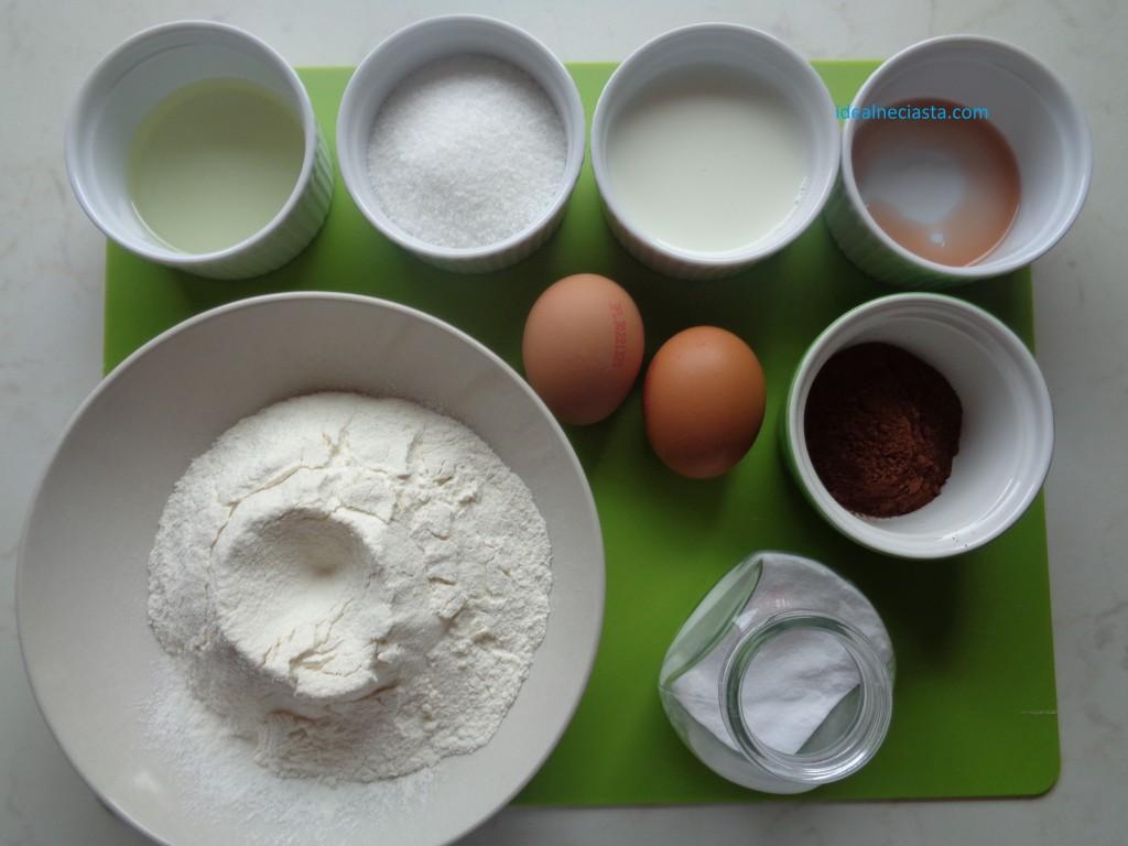 skladniki czekoladowego biszkoptu