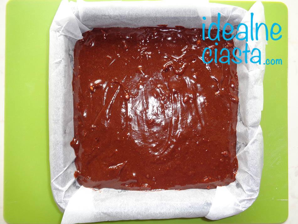 brownie przed pieczeniem