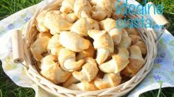 rogaliki krucho-drozdzowe z jablkami