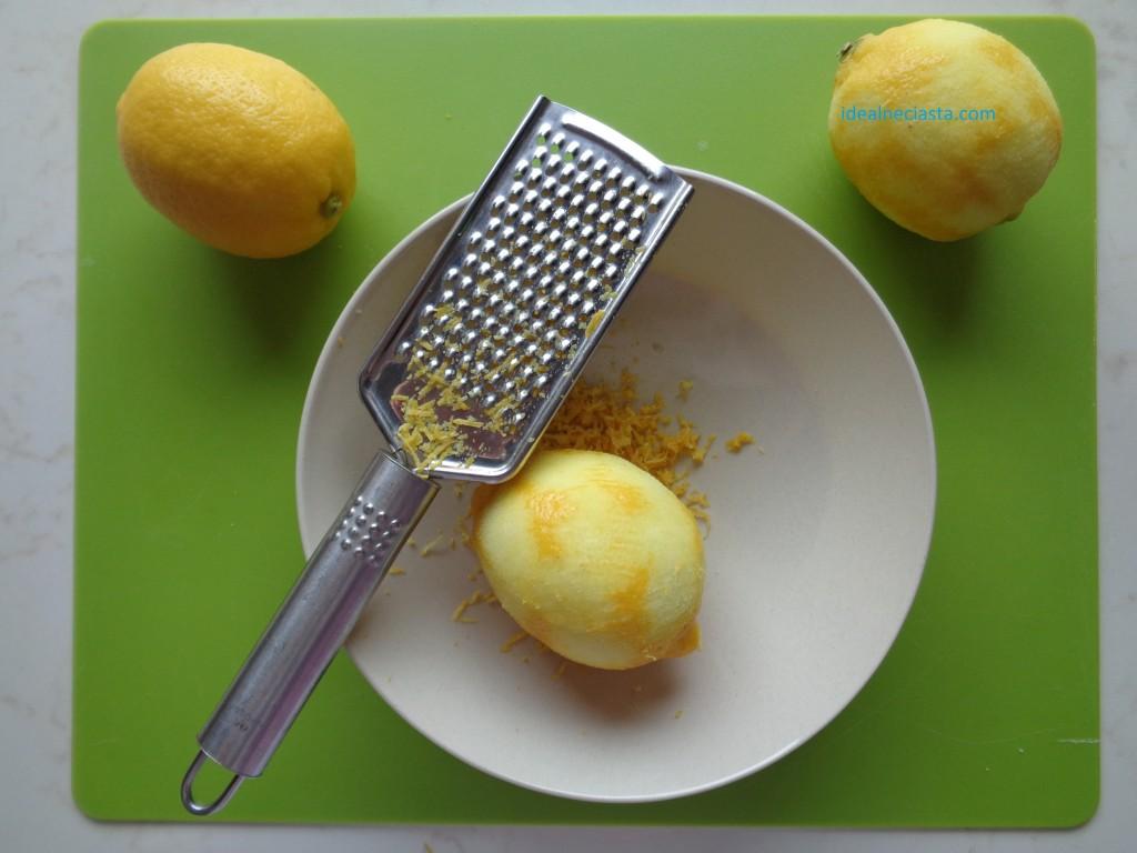 scieranie skorki z cytryny