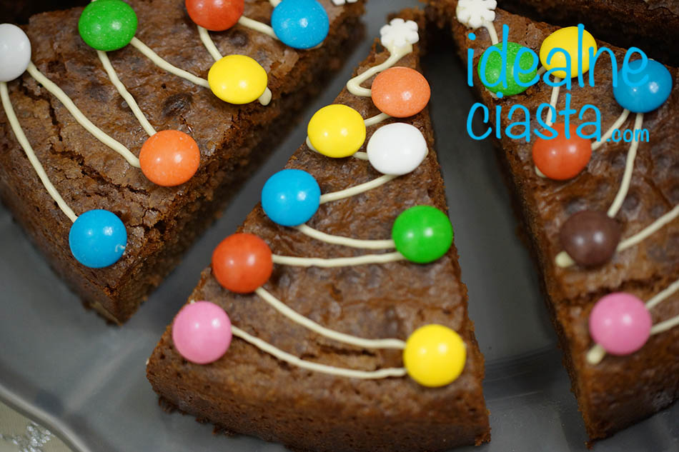 czekoladowe ciasto z choinkami