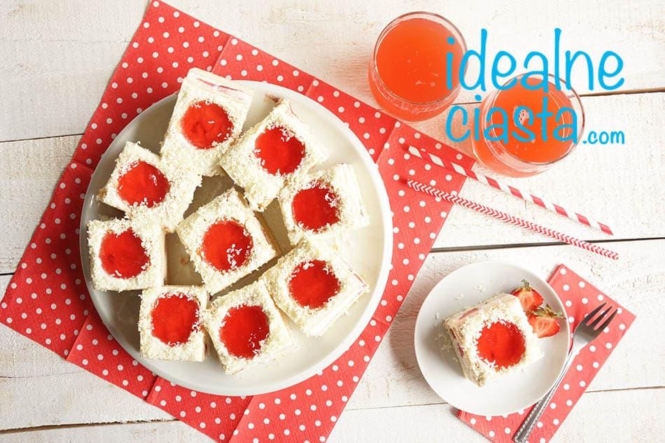 ciasto biedronka z truskawkami