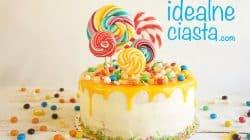 tort jogurtowo-owocowy z kolorowa polewa