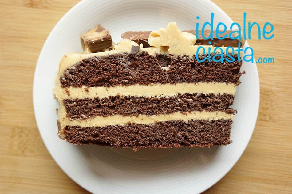 tort czekoladowy z maslem orzechowym i karmelem