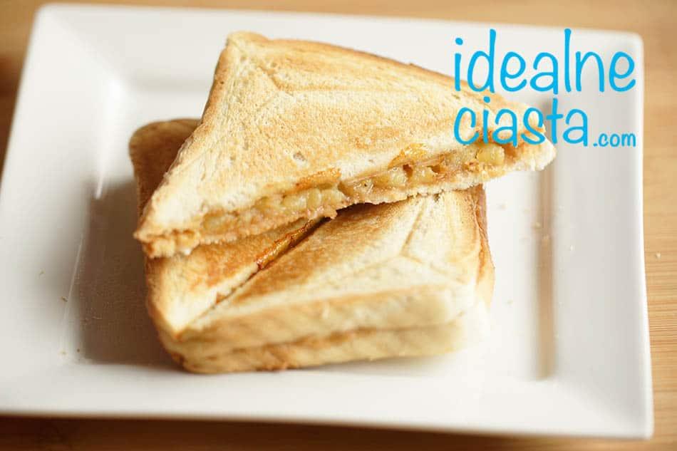 tosty z maslem orzechowym i bananem