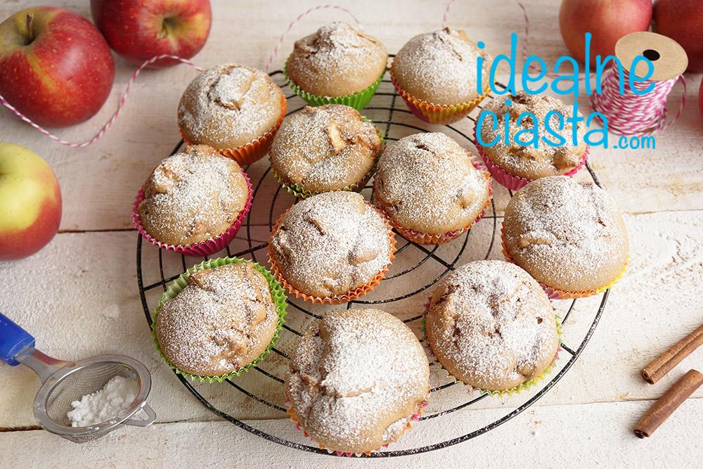 babeczki z jablkami