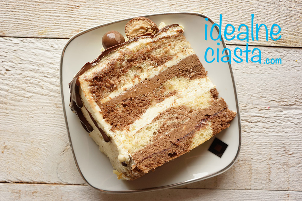 tort czekoladowy na laciatym biszkopcie