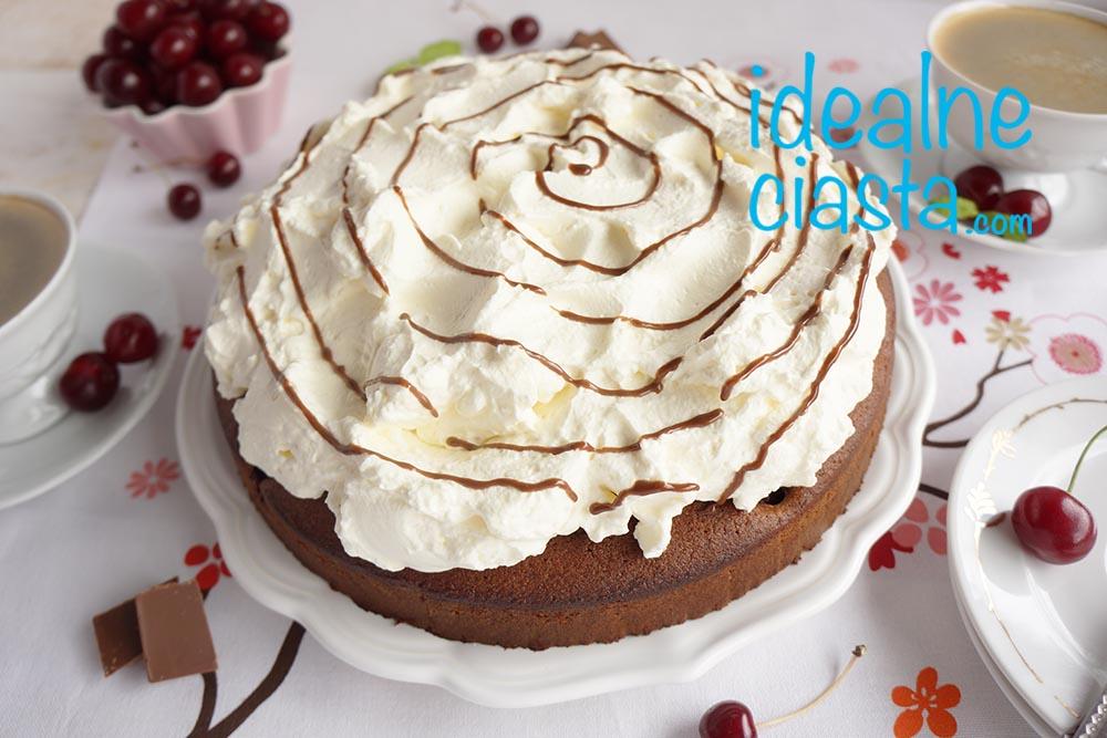 ciasto czekoladowe z bita smietana