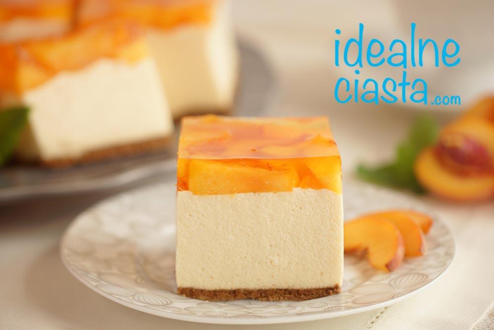 ciasto z brzoskwiniami i galaretka