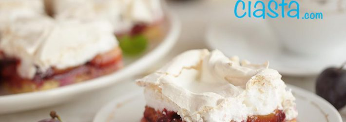 ciasto ze sliwkami i beza