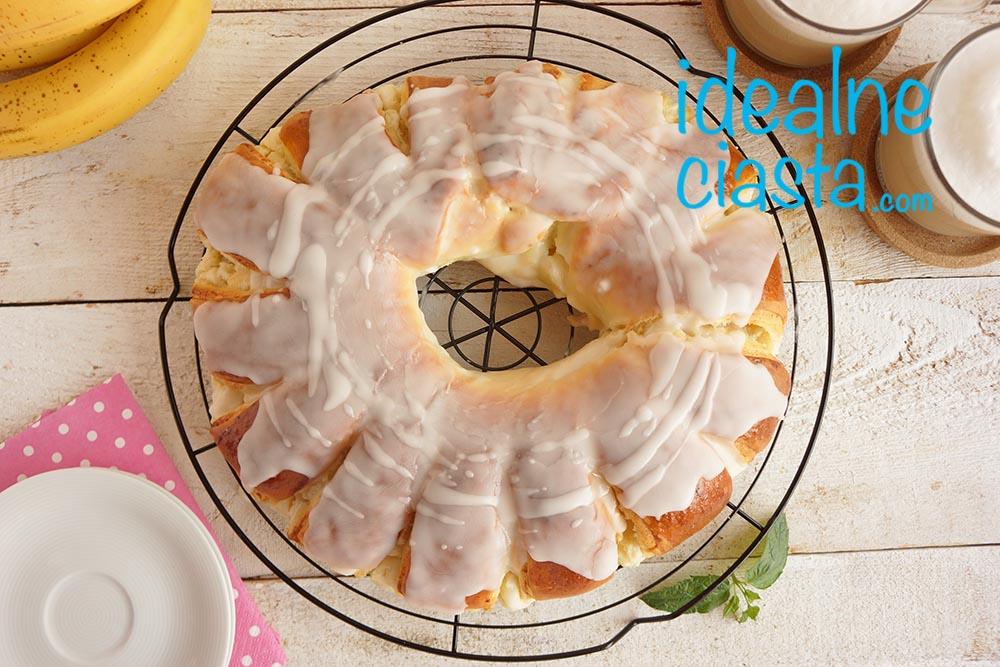 przepis na ciasto drozdzowe z serem