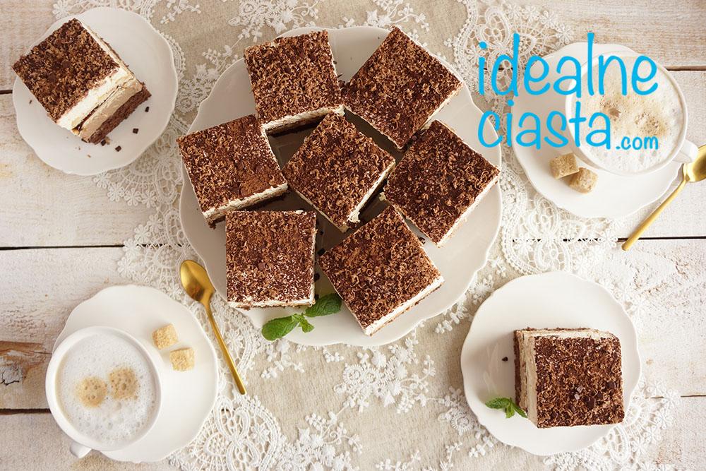 ciasto z kremem i herbatnikami