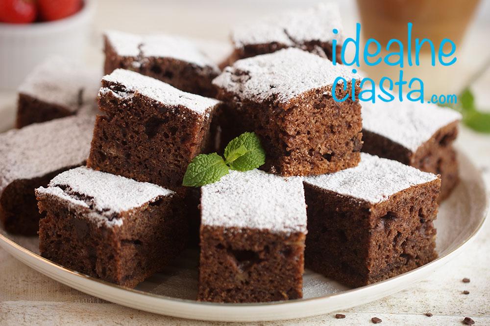 proste ciasto czekoladowe z bananami