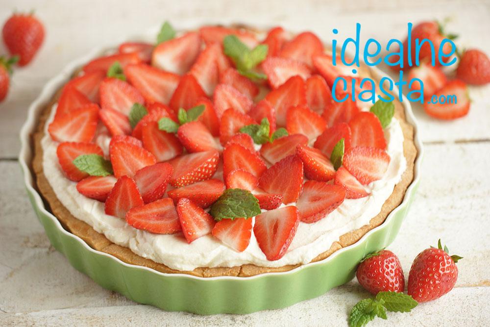 ciasto z kremem z białej czekolady