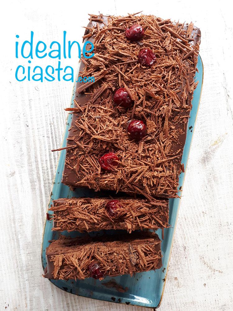 czekoladowa pokusa z wiśniami