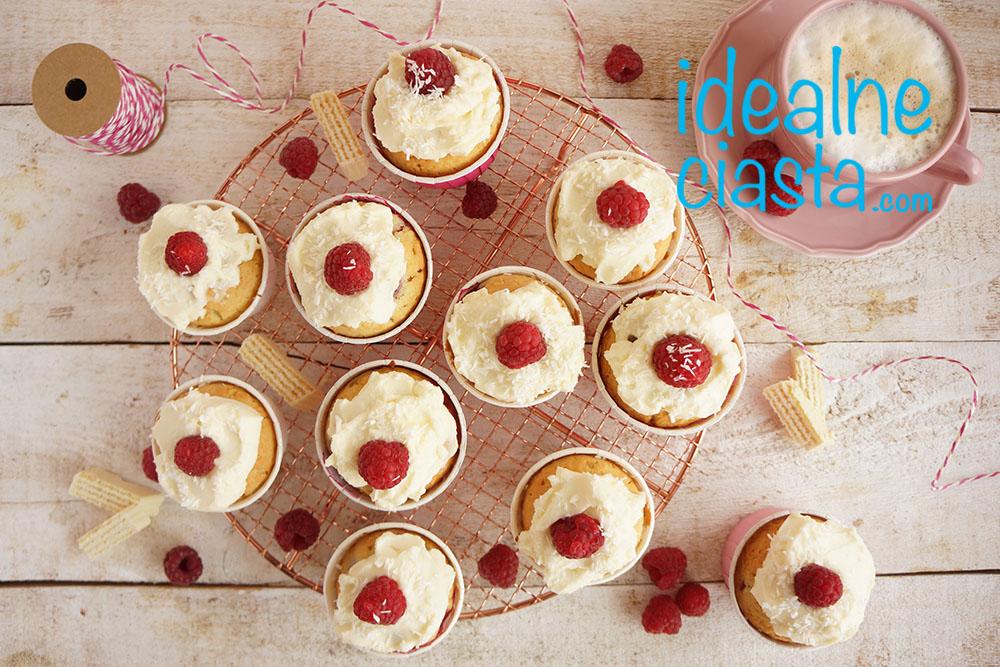 szybkie muffinki z malinami