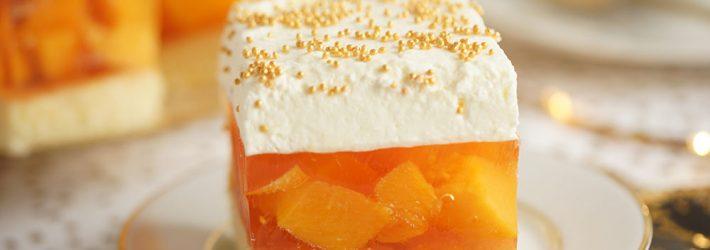 ciasto szampańskie z brzoskwiniami