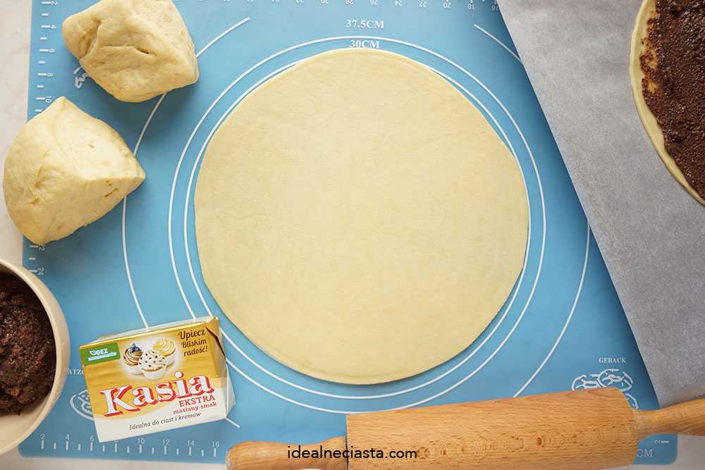 jak zrobic ciasto drozdzowe