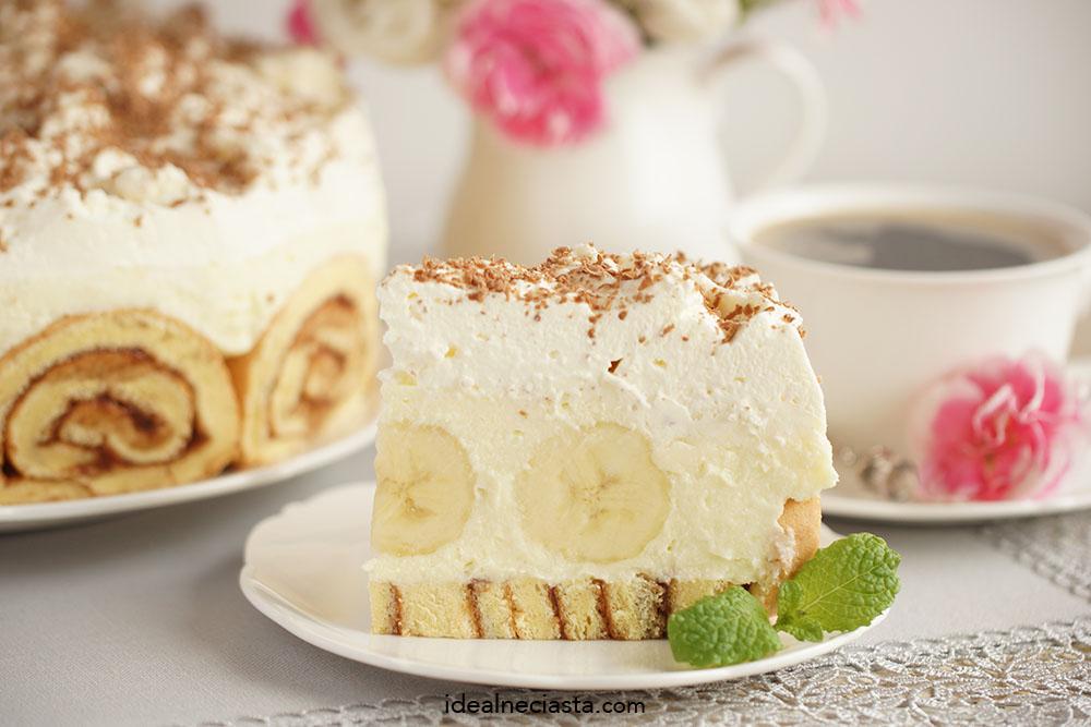 ciasto z kremem i bananami