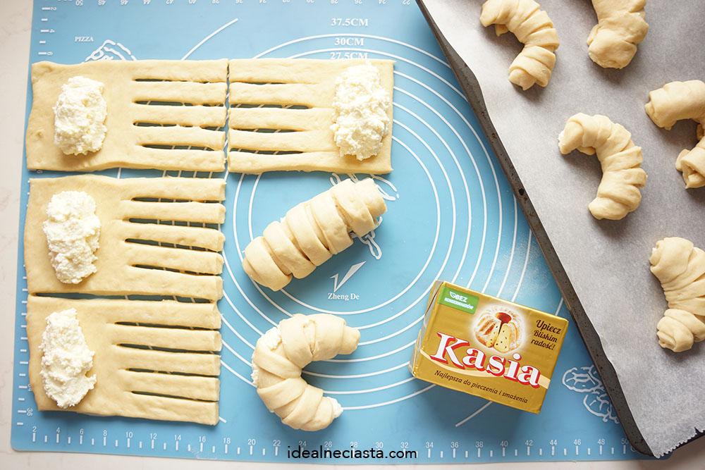 jak zrobic drozdzowki z serem