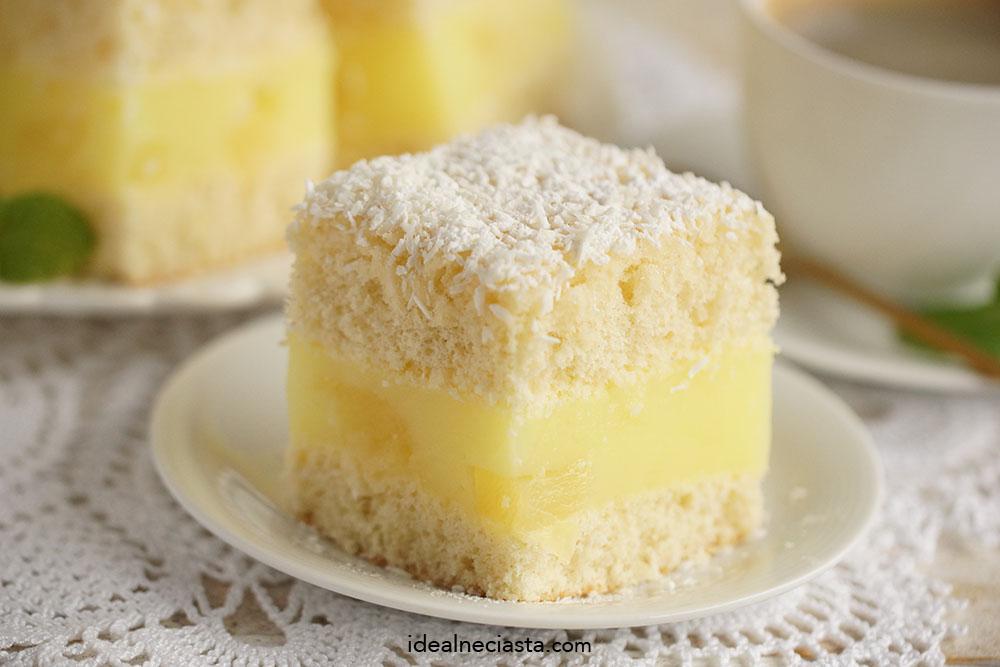 ciasto z kokosowe z ananasem