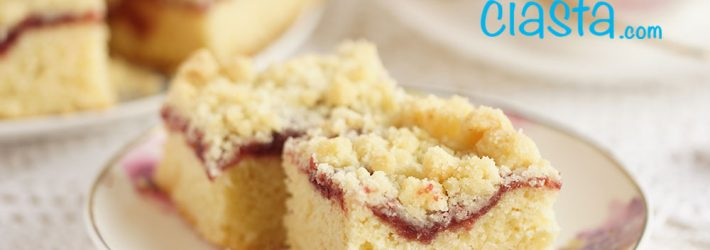 ciasto ucierane z dżemem i kruszonka
